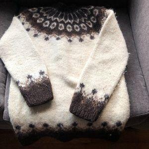 Real Icelandic wool sweater. Unisex.